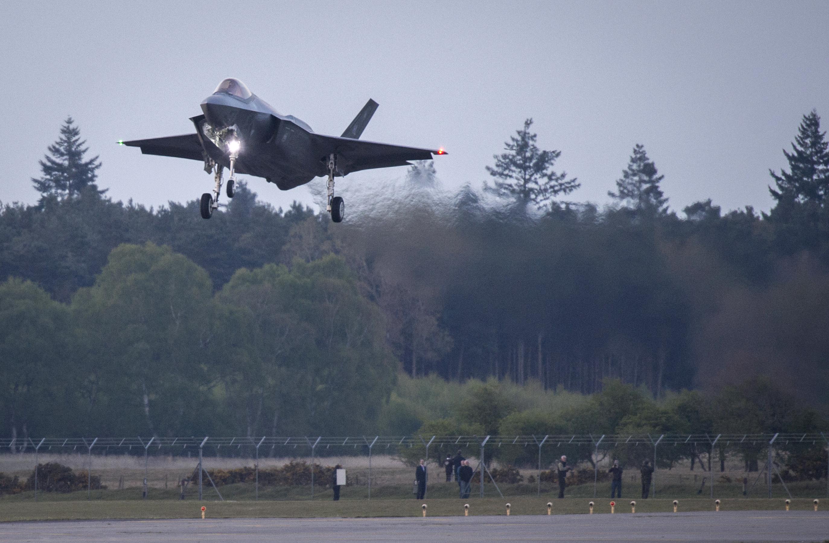 SACEUR Visits RAF Lakenheath With Arrival of USAF F 35s