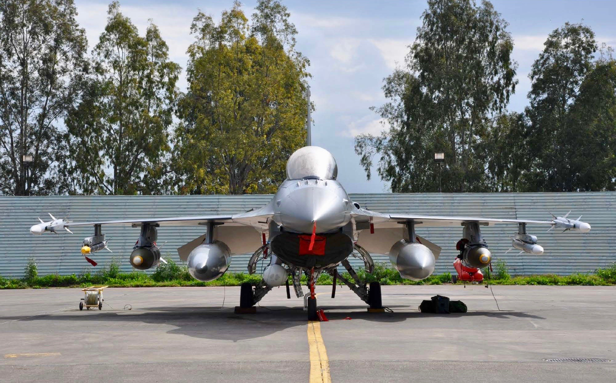 Evolving the F-16 for Expeditionary Operations: A Danish Perspective